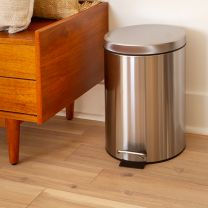 Stainless Steel Fingerprint Resistant Soft Close, Step Trash Can-12L (3.2 Gallons)